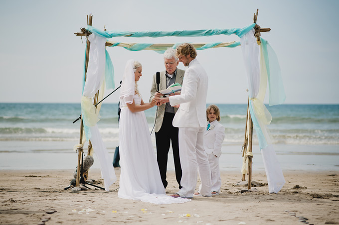 beach wedding Cornwall (65)