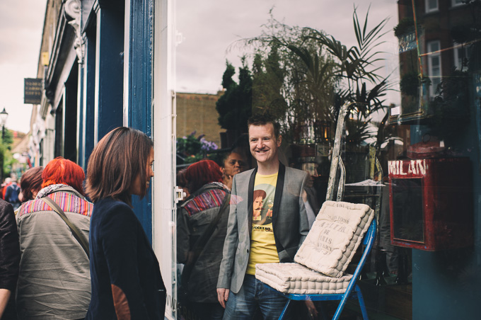 Engagement photography at London Columbia Road Flower Market (22)