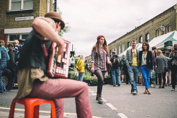 Engagement photography at London Columbia Road Flower Market (25)