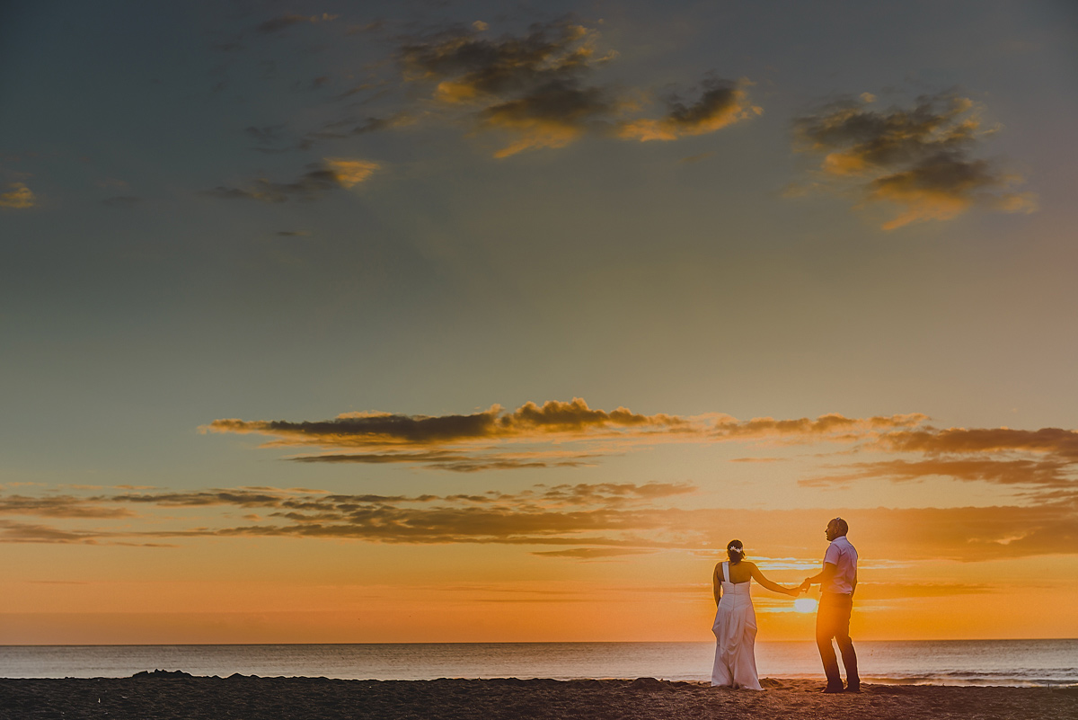 Lusty Glaze beach sunset wedding photo